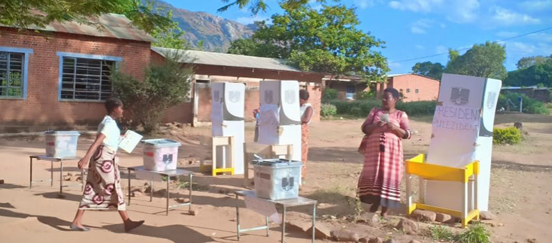 A woman casts her vote during Malawi's 2019 general elections