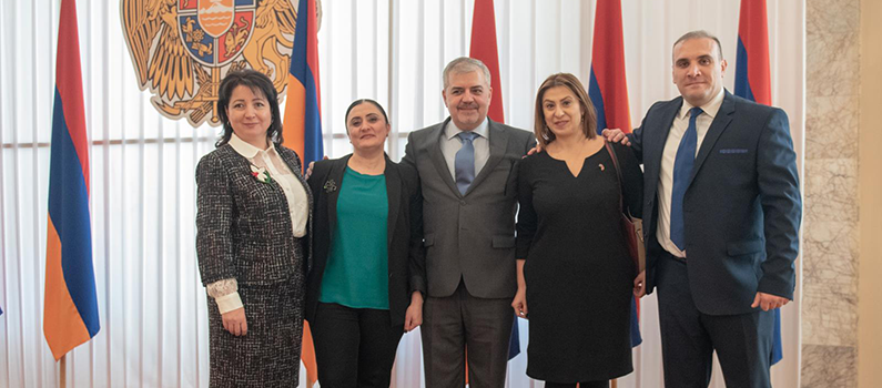 IFES Armenia alumni pose with current IFES Senior Elections Expert Aghasi Yesayan (center).